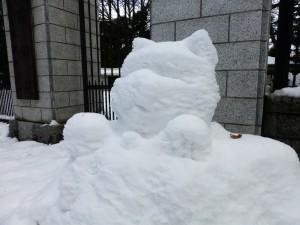 ネコ型雪だるま